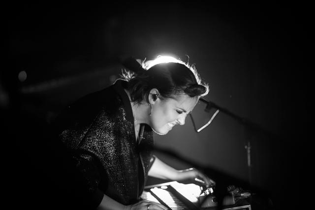Ariane Moffatt - Miami